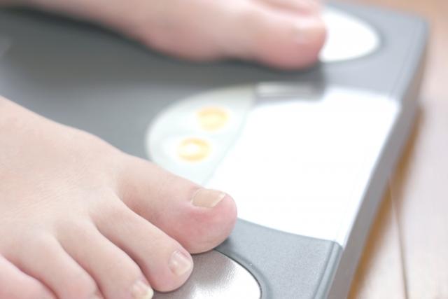 一か月で1kg太るためにカロリーは?一か月10kg体重増できる?