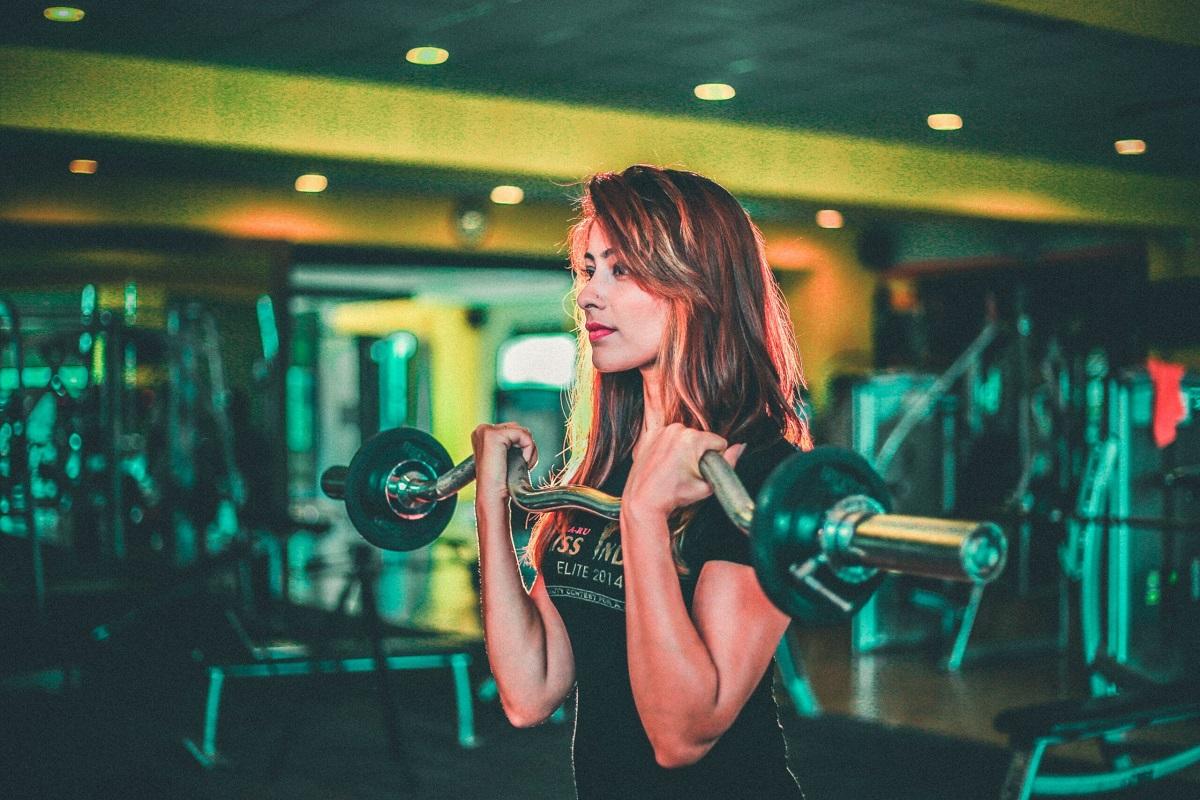 1日や2日で筋肉はつきませんから、期間としては最低でも3カ月間は継続してみて下さい。