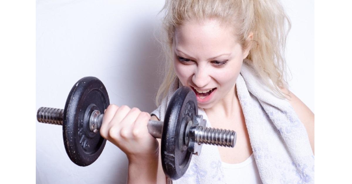 筋トレは無酸素運動で、筋肉を付けたり大きくするのに効果が早く出ます。
