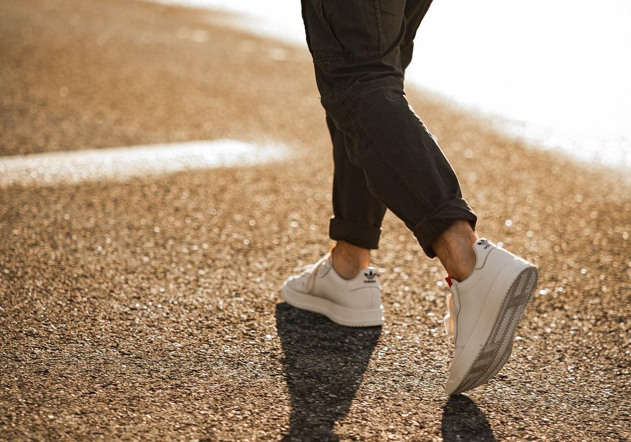 """ウォーキングやジョギングは年齢が関係なく毎日コツコツできる""""スローなスポーツ""""です。"""