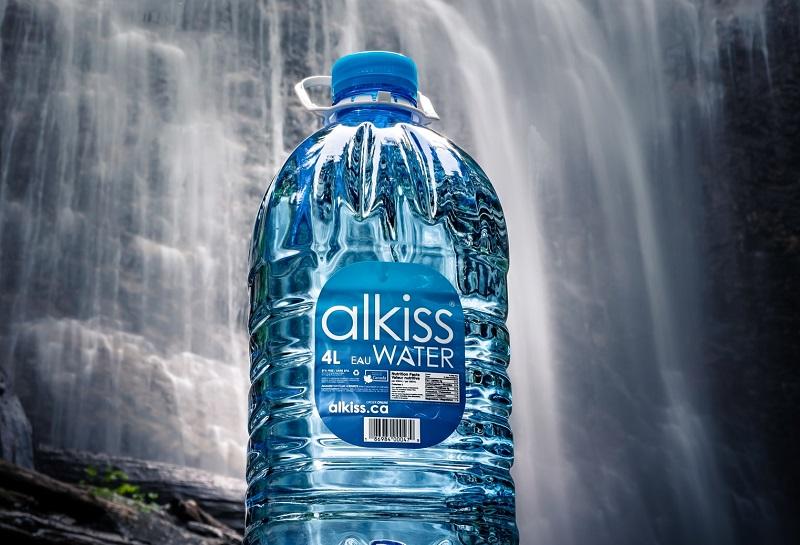 宴会、飲み会の後は大量に水を飲もう。